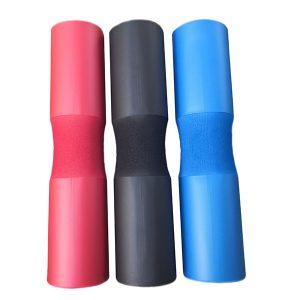 Цветен омекотител за лост - омекотява и създава условия за по-комфортна и тежка тренировка при клек и вдигане от лег. Висококачествена пяна. Три цвята!